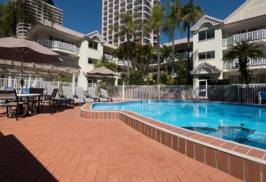 Surfers Tradewinds 10