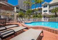 Surfers Tradewinds 11 1
