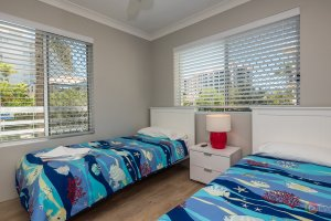 Surfers Tradewinds 23 1