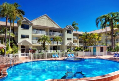 Surfers Tradewinds 47