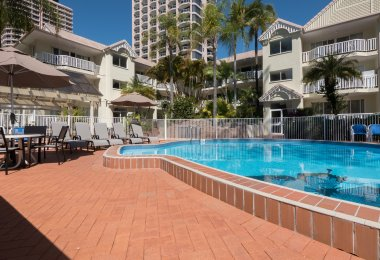 Surfers Tradewinds 9